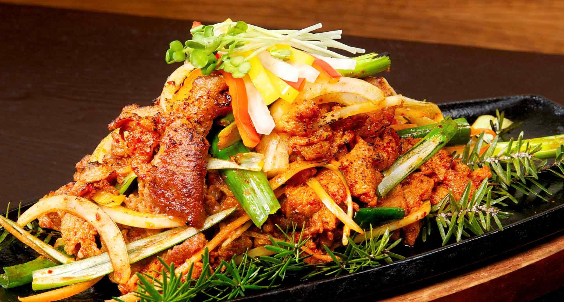 CORE SPICY KOREAN PORK SHOWCASE (JEYUK BOKKEUM)