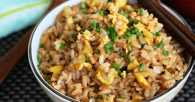 Garlic and egg fried rice Recipe
