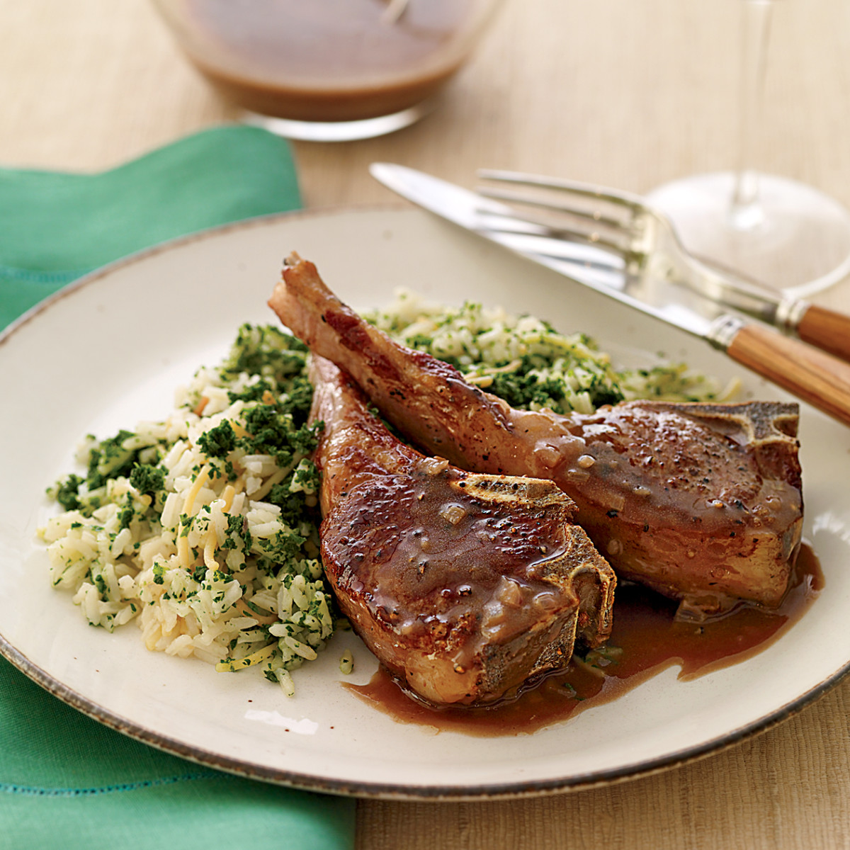 Lamb meat with spinach