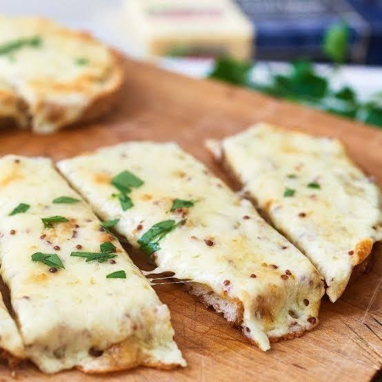 Stuffed Garlic Spinach Bread