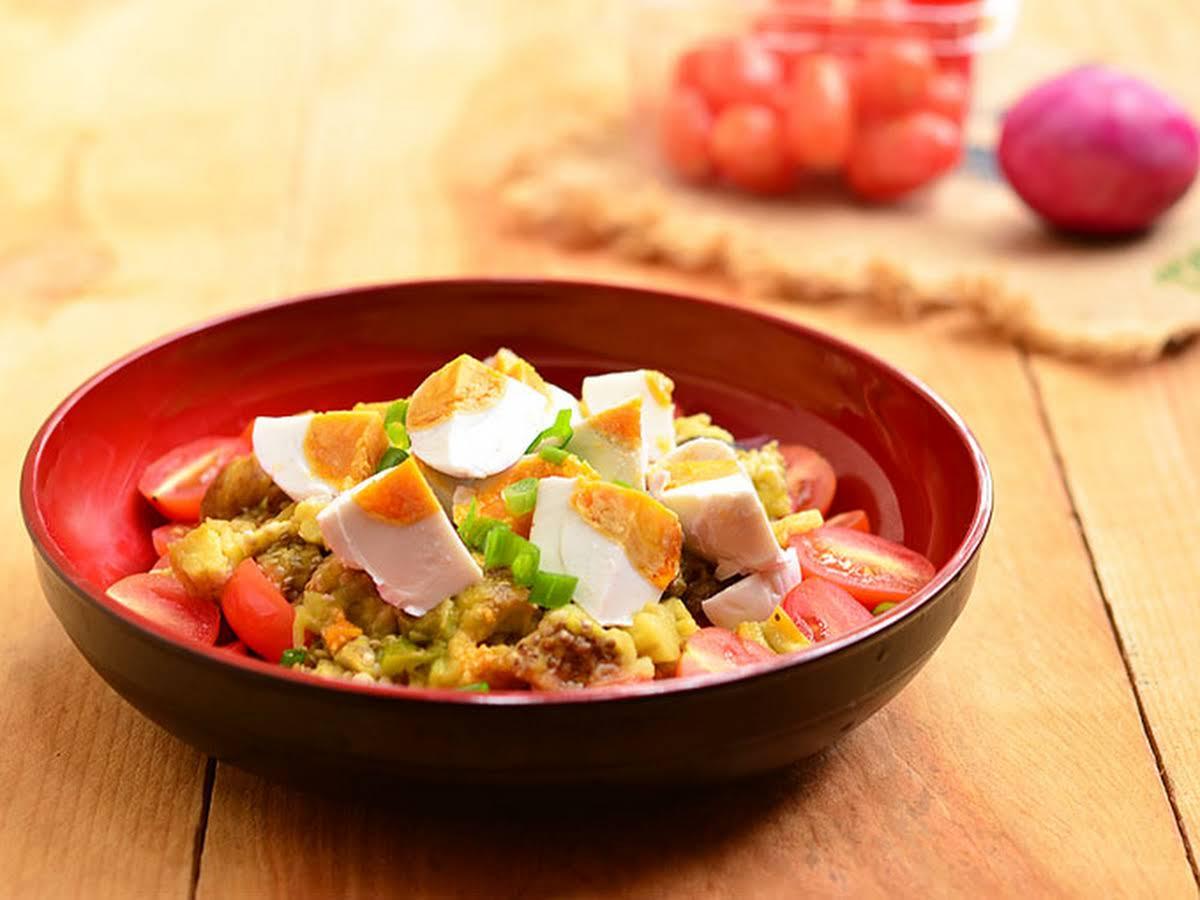 Ensaladang Talong (Filipino-style Roasted Eggplant Salad)